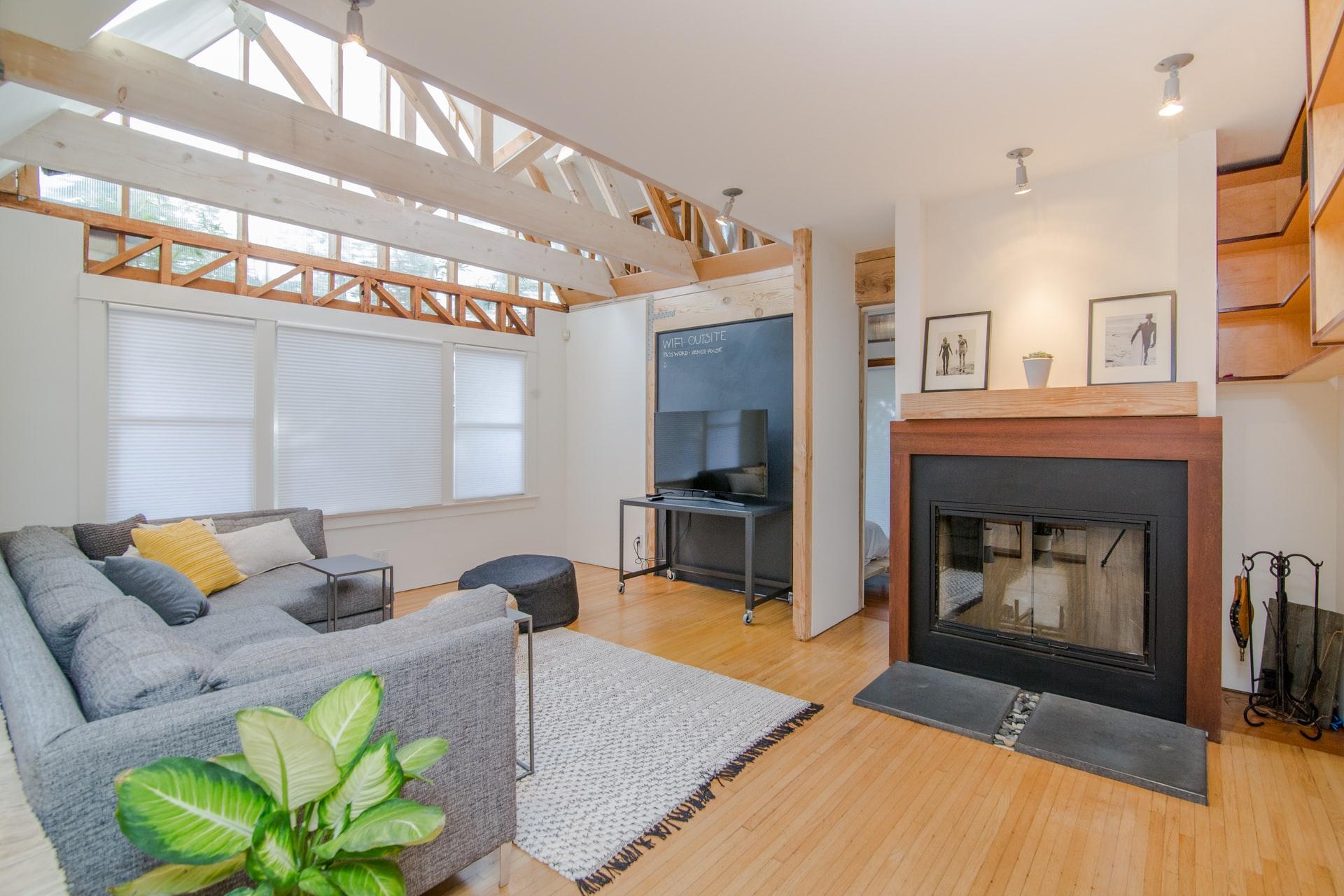 living-room-wood